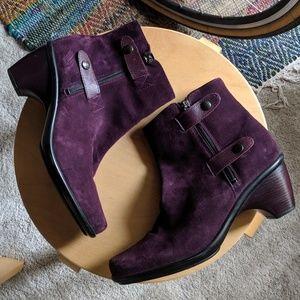 Dansko // purple suede booties 💜